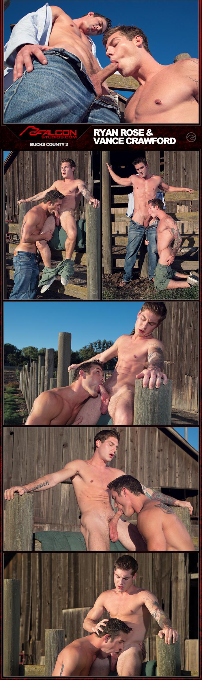 Спортсмены парень с парнем трахаются в раздевалки 1 фотография